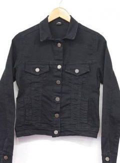 Campera negra de jean Inquieta