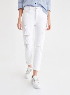 Jean mom blanco boyfriend roturas. Inquieta. CH616